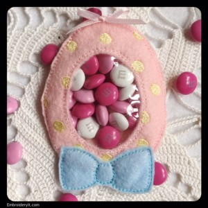 Embroidery It Easter Candy Holder 2