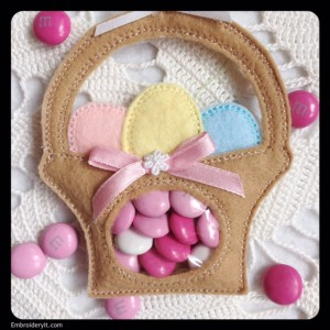 Embroidery It Easter Candy Holder 4