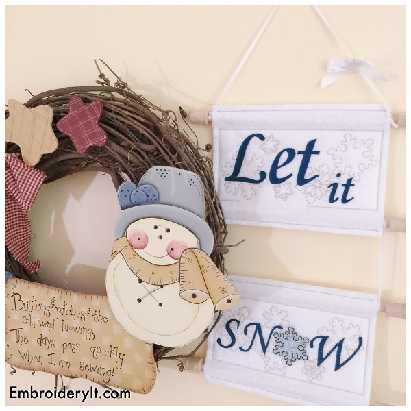 Christmas in July Day 3 – Let it Snow Sign in 2 Sizes