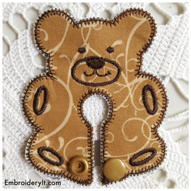 Bear Feeding Tube Pad