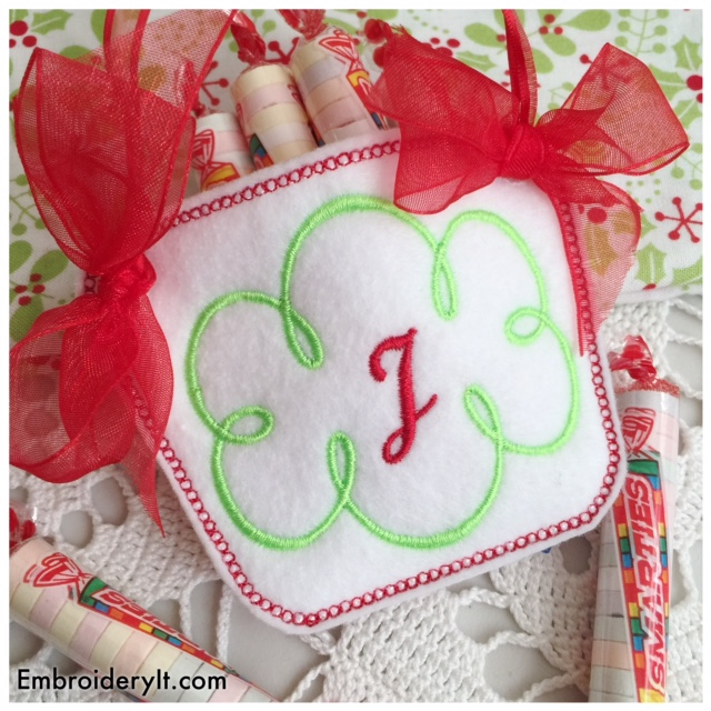 Monogram Basket Letter J – A fun in-the-hoop project