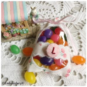 Machine Embroidery in the hoop Easter Egg Candy Holder